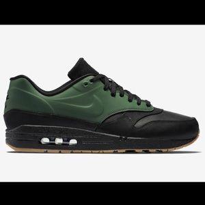 RARE Nike Air Max 1 VT QS Gorge Green